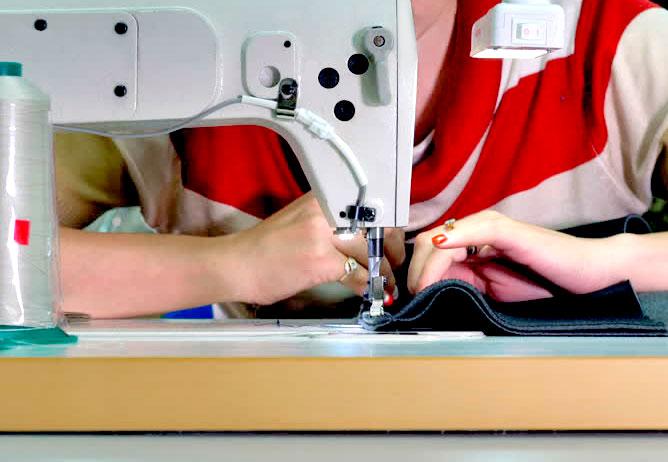 maquina de coser, cosiendo puff