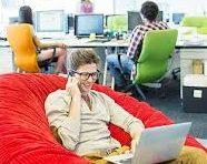 Espacio de trabajo o estudio ergonómico en casa